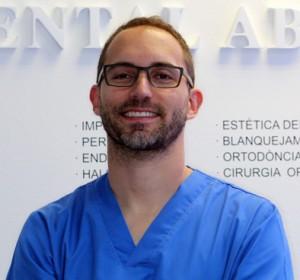 Dr. David Martínez